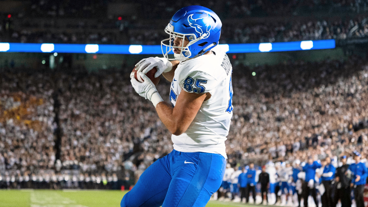 College Football Odds & Picks for Buffalo vs. Northern Illinois: Bulls are MAC Conference Contenders article feature image