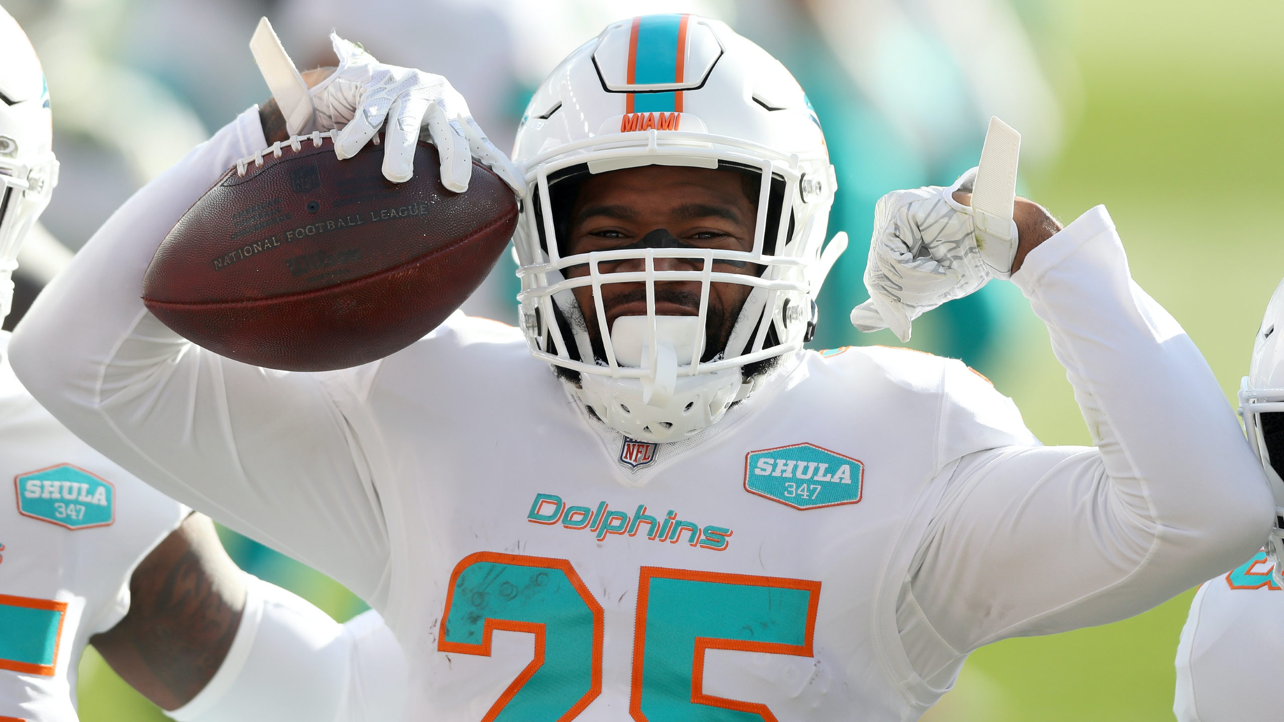 NFL Week 12 Survivor Pool Analysis, Percentages & Pick: Dolphins Offering Massive Expected Value article feature image