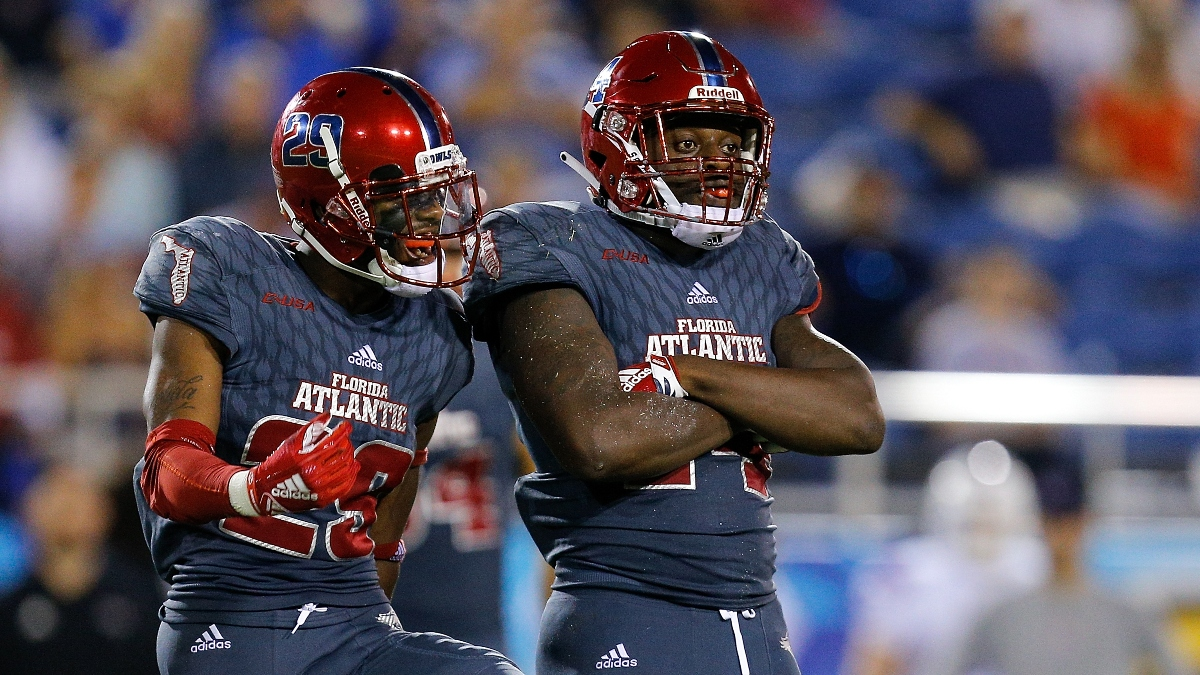 College Football Odds & Picks for Florida Atlantic vs. Florida International: Sharp Betting, Projections Reveal Value (Friday, Nov. 13) article feature image