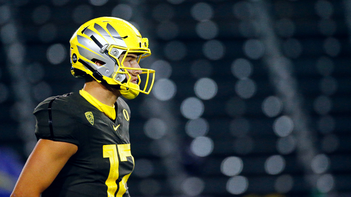 College Football Odds & Pick For UCLA vs. Oregon: Look to Bet the Ducks on Saturday article feature image