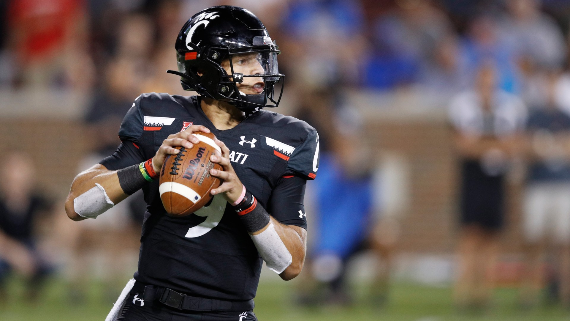 Cincinnati vs. UCF Odds & Pick: Target This AAC Over/Under on Saturday Afternoon article feature image