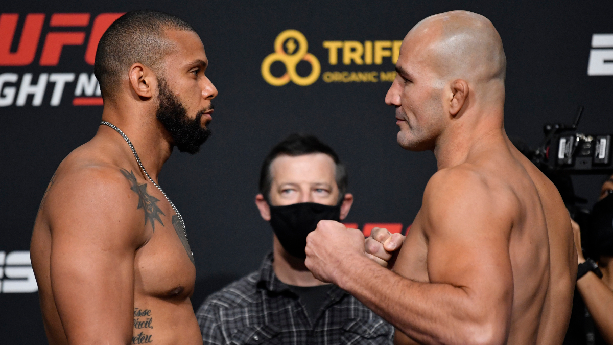 UFC Fight Night Odds & Picks: Thiago Santos vs. Glover Teixeira (Saturday, Nov. 7) article feature image