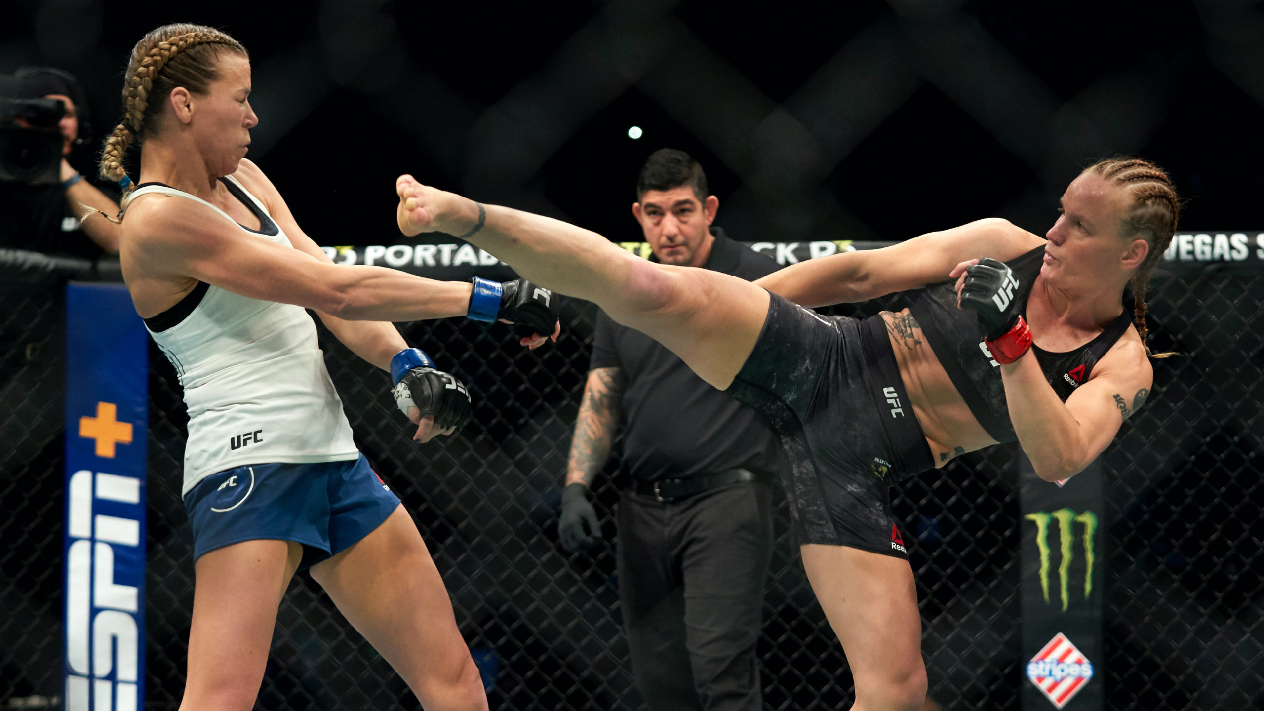 Betting odds explained ufc fighting sharkscope bovada betting