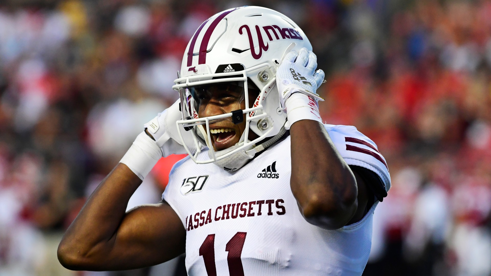 UMass vs. Florida Atlantic Odds & Picks: Value Bet on Over/Under in Windy Friday Weather article feature image