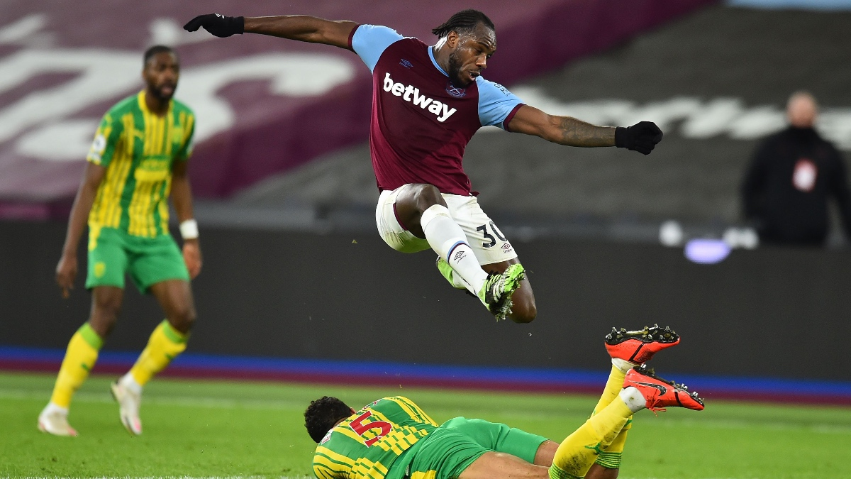 soccer-premier league-betting-odds-picks-predictions-crystal palace-west ham united-michael antonio-january 26