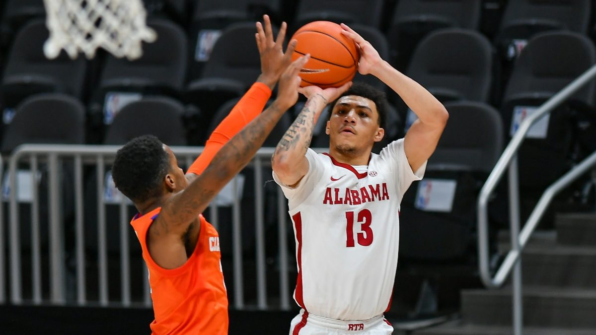 Odds & Pick for Alabama vs. Kentucky Basketball: Bet the Crimson Tide in SEC Showdown article feature image